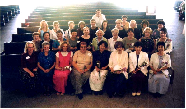 Teachers and Dr. Haruko Kataoka (lst row, 3rd right to left) at Orange County Workshop, California, 2003